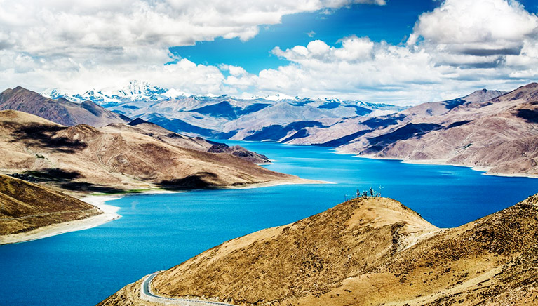 西藏最美的湖泊 羊卓雍错